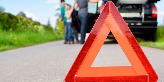 Warndreieck vor Unfall